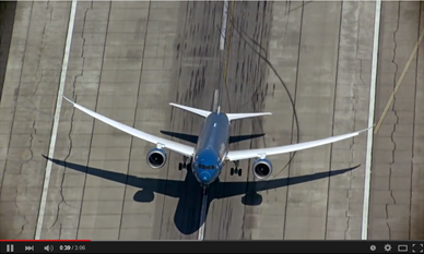 Boeing-787-9-Dreamliner-Beauty-of-Composites
